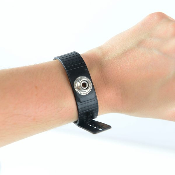 Photo of black ESD Cleanroom Wrist band being worn